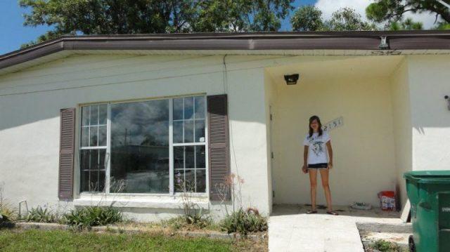 La doar 14 ani, puștoaica și-a luat casă de 100.000 de dolari din banii câștigați chiar de ea! Cum a reușit să strângă atâția bani